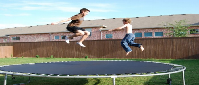 how much weight do trampolines hold